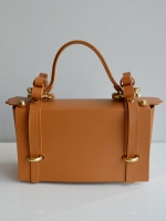 Niels Peeraer WINGED BAG(camel)
