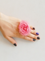 sretsis Carnation Ring
